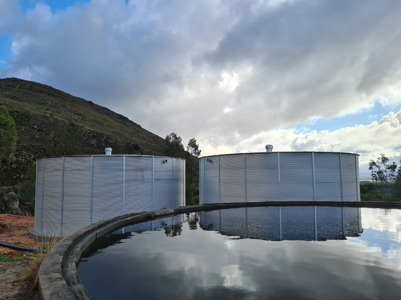 Corrugated water tank South Africa